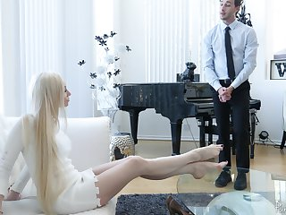 Bossy mart MILF Natasha James demands her pussy being fucked now
