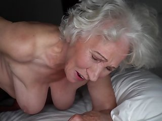 Grey-haired cunt be advantageous to fat granny gets pounded by young stud