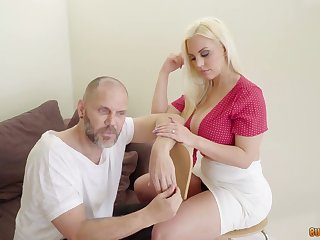 Mesmerizing big racked Argentinian cowgirl Blondie Fesser jumps on chubby prick