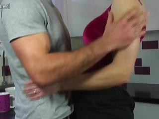 UK Adult MOM fucks her son's side