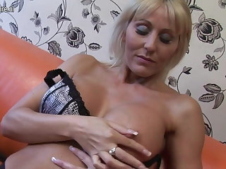 Hot British cougar jocular mater carrying-on with her pussy