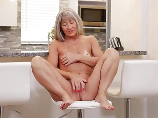 Matured Mother Leilani Lei Gets Fucked Hot Young Son's Friend