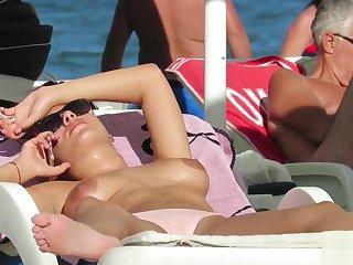 Real Amateur Beamy Boobs Go-go MILFs Close-up Voyeur Beach
