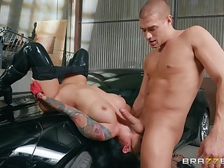 Hardcore garage doggy fuck with wild Latina babe Katrina Jade