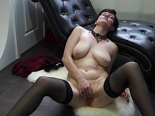 Gaffer sudden haired mature babe Olivia G. exposes her tits with the addition of pussy