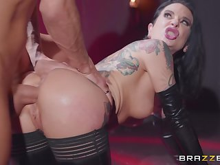 Inked goth mature slut Joanna Angel gets her tight asshole comfortless