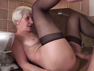 Viviana & Dieter skinny hairy granny less kitchen with Dieter