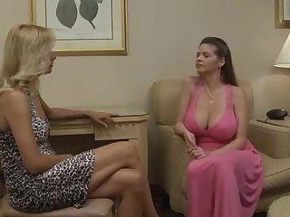 Pretty good exotique, scène de sexe lesbienne