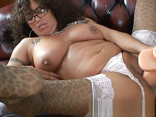 Leopart printed MILF dildos her hole