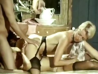 Classic Porn from the 80s... 3sum