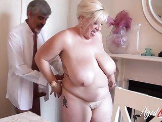 Sensual and lifelike blowjob before hardcore sexual inercourse