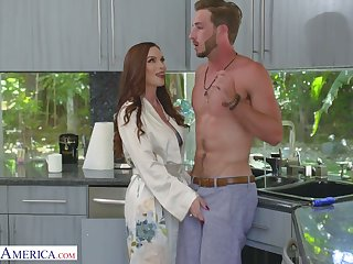 Yummy red haired mommy Diamond Foxxx seduces handsome stepson