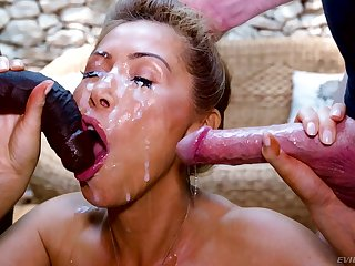 Kianna Dior can't succeed in pleased with only one cock anymore