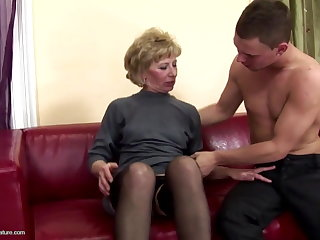 Hairy mature overprotect ass fucked coupled with pissed on