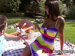 Canadian big bottomed and bosomy slut SassyMeli rides gumshoe on piece of cake