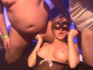 Amateur Cuckold Girlfriends in Dissipated Gangbang Orgy With Cumshots