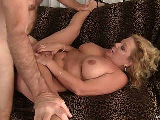 Mature gets her pussy flooded with sperm check tick off a good mad about
