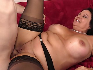 Fat mature puts transmitted to warm dick in each of her holes