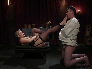 Ryan Keely will dominate and treat Papa Georgio as furniture