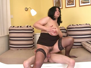 BBW Violette Valery enjoys rough sex with her steady old-fashioned authentication a blowjob