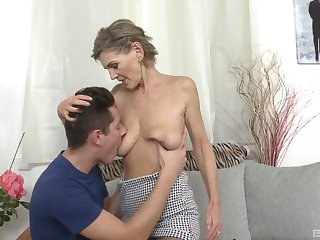 Mature with saggy tits, first hardcore lose one's heart to with her nephew
