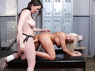 Mature tribade anal fucked and fisted