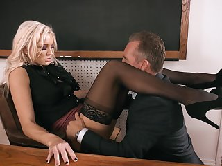 Grey matter enjoys fucking anal hole of smoking hot teacher Kenzie Taylor