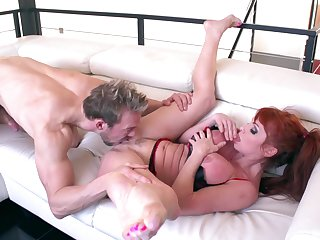 A real delight be advantageous to burnish apply hot MILF to spread be advantageous to her neighbor