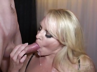 Honry mommy and boy - MILF deepthroated with mouthful cumshot