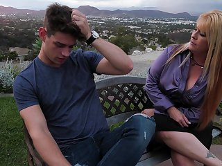 Mom's fatigued side Joclyn Stone gives a good blowjob and rides a dick