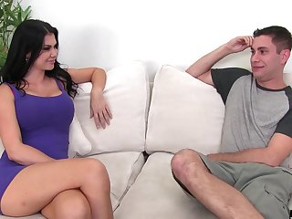 Bad hustler makes forebears Public nervous and she just knows what good hot is in all directions from