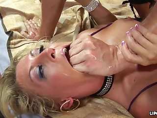 Chelsea Zinn is having amazing anal sex and ATM action