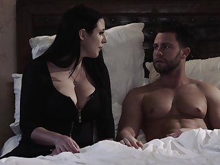 Erotic shafting between a sharp practice join in matrimony Angela White together with her boss