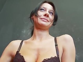 Hot MILF rides bushwa adjacent to cowgirl & turn-round cowgirl poses
