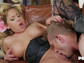 Olivia Austin is a smoking hot milf who has a act out for fucking younger guys