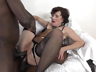 Thrilling Mature Battle-axe DPed By One Huge Ebony Dicks
